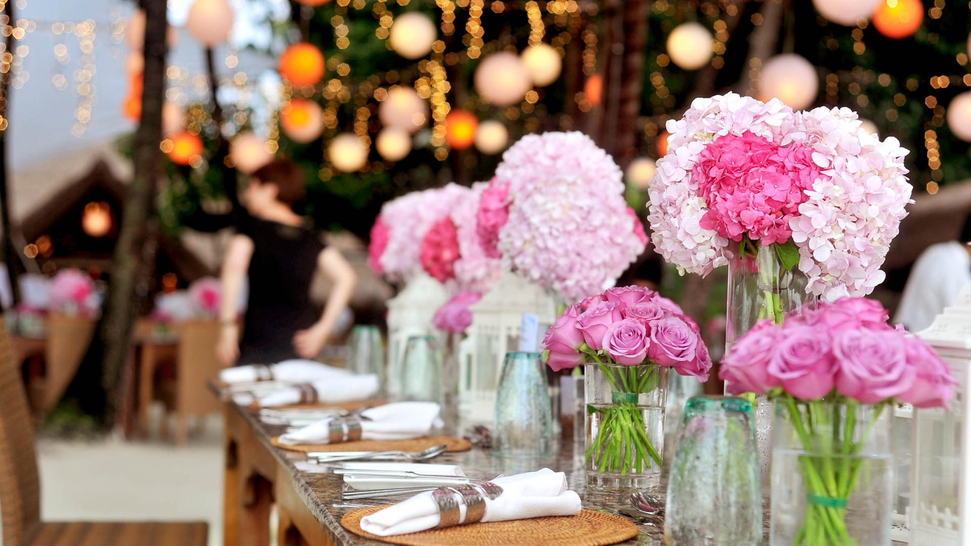 Testimonials Image of beautifully set up table with flowers