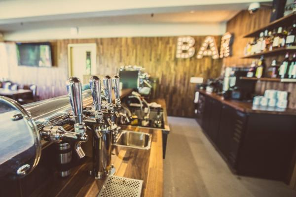 Photograph of the bar at Mulligan's House Express